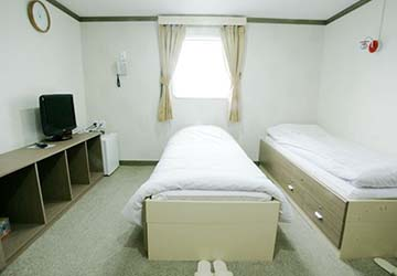 dbs_cruise_ferry_eastern_dream_first_class_bed