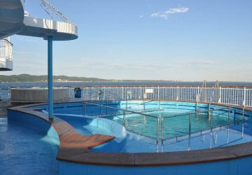 dfds_seaways_pearl_seaways_pool_area